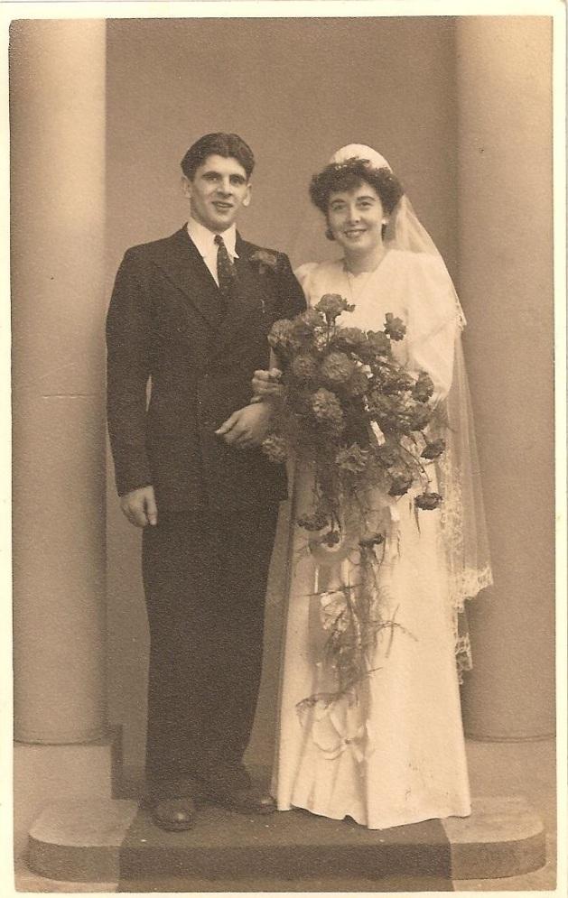 Arthur & Eileen Clifford 22 12 1947